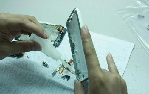 """Công nghệ """"nấu"""" iPhone cũ thành mới tại VN - 10"""