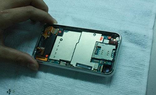 """Công nghệ """"nấu"""" iPhone cũ thành mới tại VN - 11"""