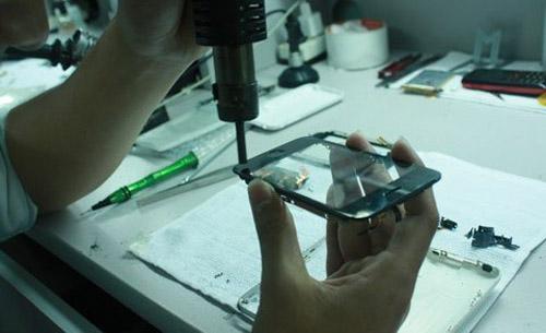 """Công nghệ """"nấu"""" iPhone cũ thành mới tại VN - 6"""