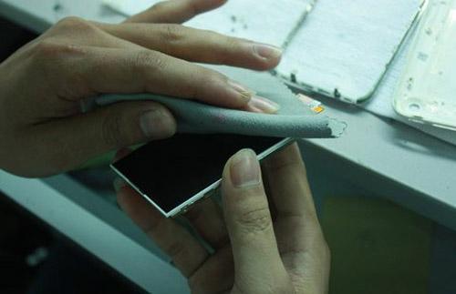 """Công nghệ """"nấu"""" iPhone cũ thành mới tại VN - 9"""