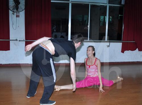 Anh Thư lúng túng luyện nhảy - 8
