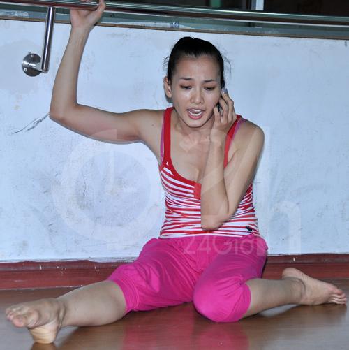 Anh Thư lúng túng luyện nhảy - 17