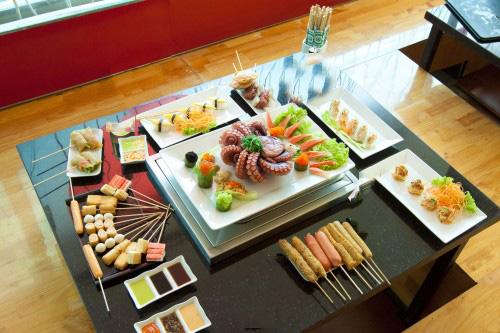 Thưởng thức món ăn đặc sắc tại Sushi & Que - 1