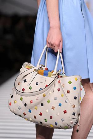 50 mẫu túi ấn tượng nhất năm 2012 - 22