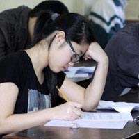 """Đại học FPT phản hồi ra đề """"trinh tiết"""""""