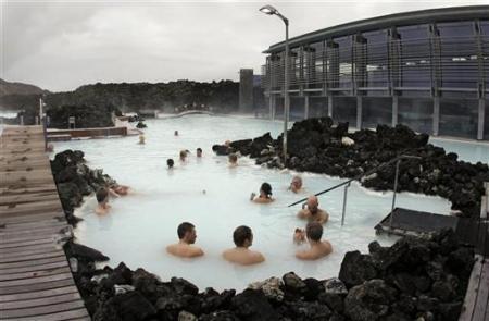Những cảnh tắm lạ nhất thế giới - 9
