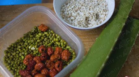 Chè đậu xanh nha đam mát lành, bổ dưỡng - 1
