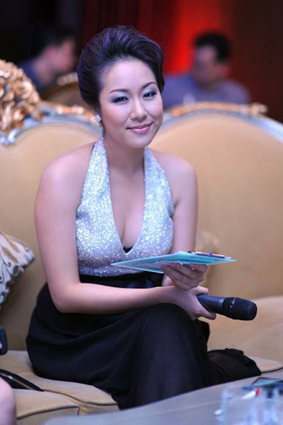 Hoa hu no p nht khi lm MC?, Thi trang, Hoa hau lam mc, thoi trang hoa hau, hoa hau, thoi trang, hoa hau lam mc duyen nhat, thoi trang hoa hau Viet,