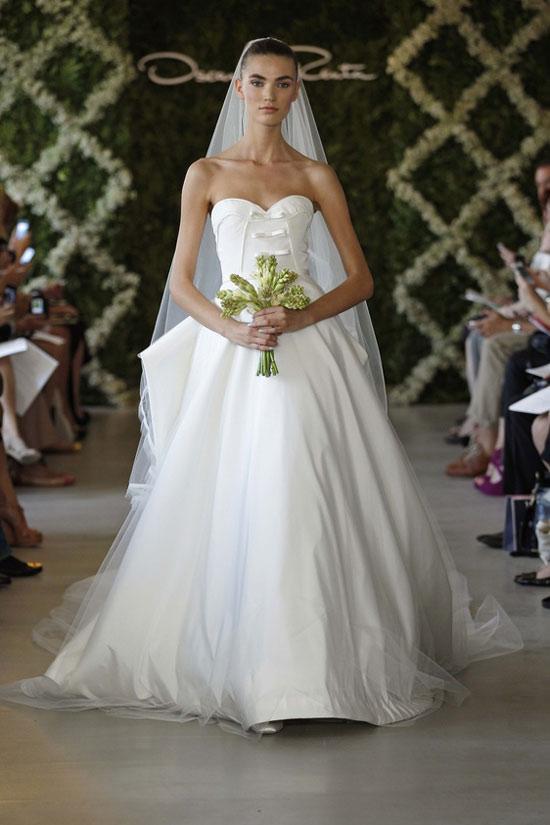 Năm 2013, cô dâu mặc gì? - 11