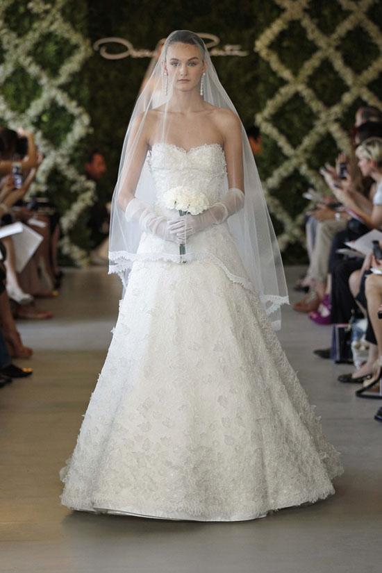 Năm 2013, cô dâu mặc gì? - 13