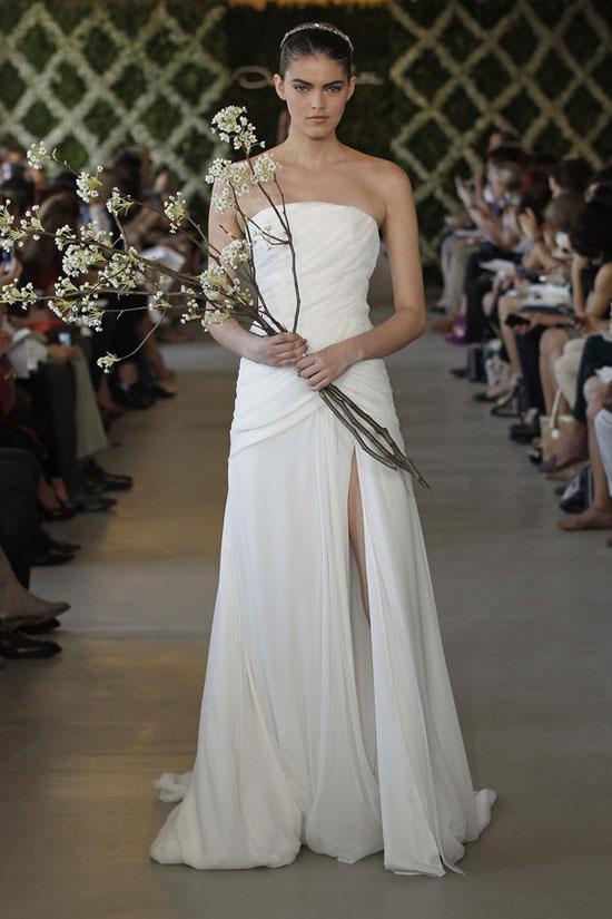 Năm 2013, cô dâu mặc gì? - 17