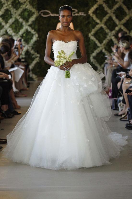 Năm 2013, cô dâu mặc gì? - 19