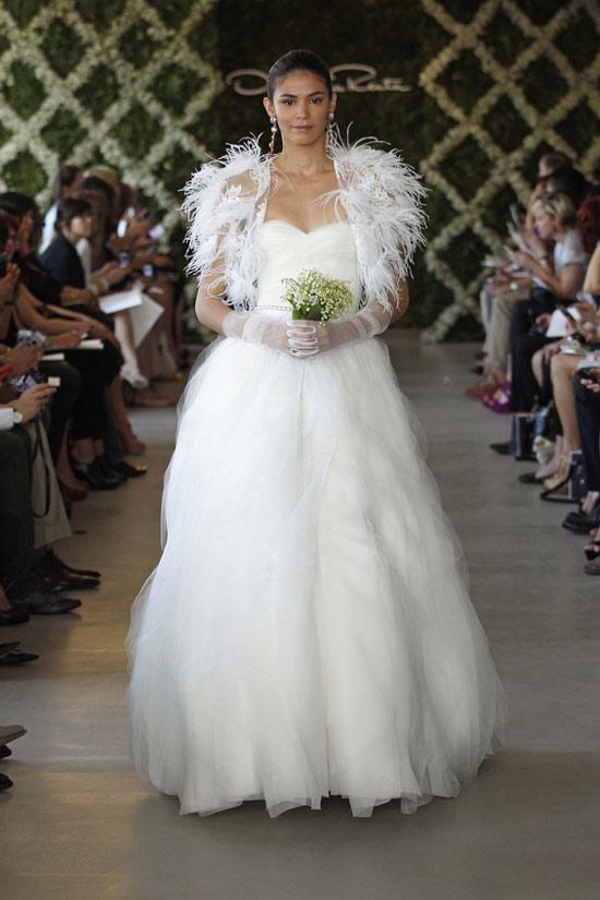 Năm 2013, cô dâu mặc gì? - 2