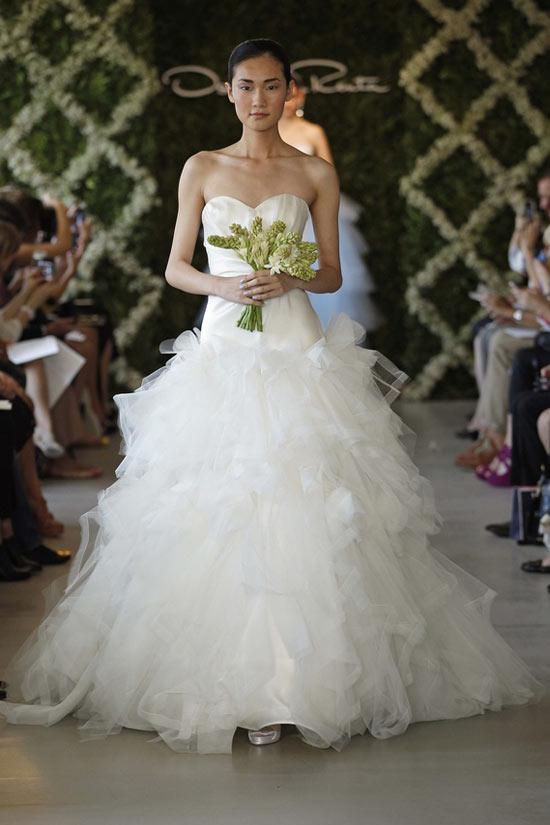 Năm 2013, cô dâu mặc gì? - 4