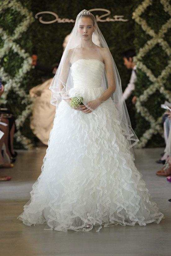Năm 2013, cô dâu mặc gì? - 9