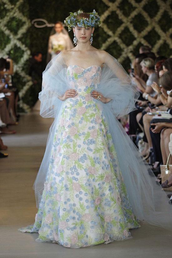 Năm 2013, cô dâu mặc gì? - 27