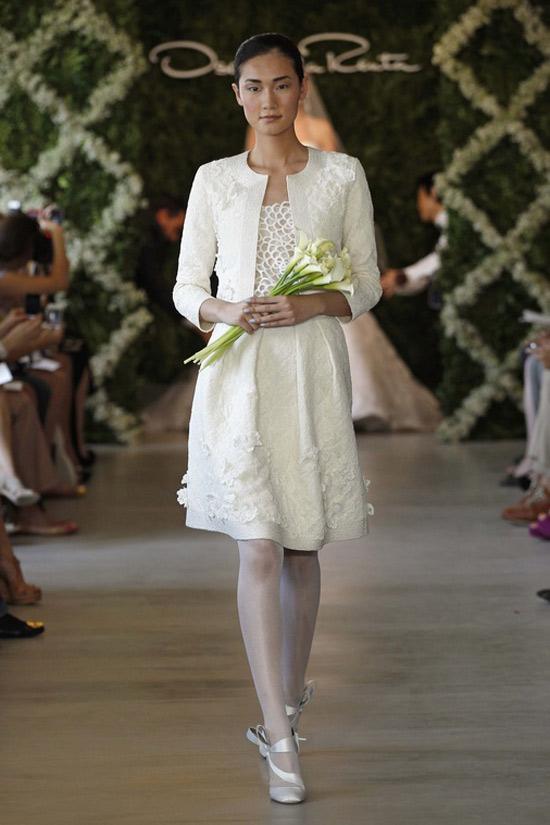Năm 2013, cô dâu mặc gì? - 37
