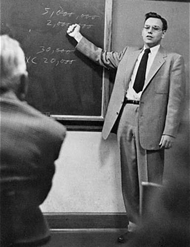 Tỉ phú Warren Buffett - thiên tài đầu tư - 2