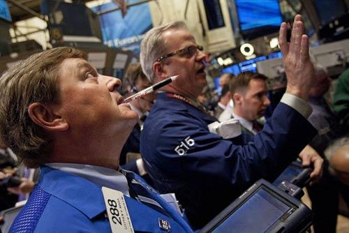 """Cổ phiếu Microsoft """"nâng đỡ"""" Dow Jones - 1"""