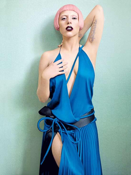 Lady Gaga khoe ngực lỏng lẻo ở Hàn Quốc - 10