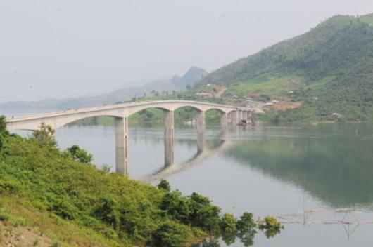 Những cây cầu độc đáo nhất Việt Nam - 6