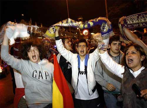 """Fan Barca – Real: """"Cuộc chiến"""" vẫn nóng - 1"""
