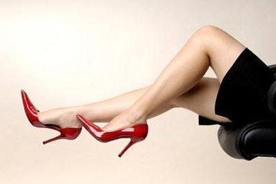 Phụ nữ đi giầy bệt như câu thiếu vị ngữ - 1