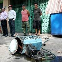Bình hơi bơm xe nổ tung, một người tử nạn