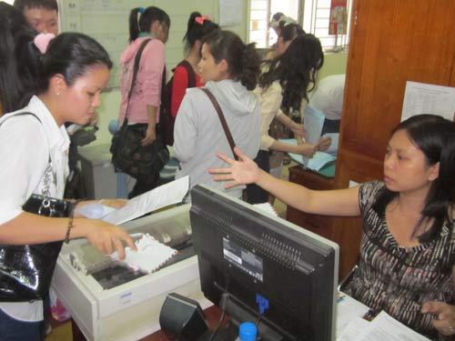 Lượng hồ sơ dự thi ĐH, CĐ giảm mạnh - 2