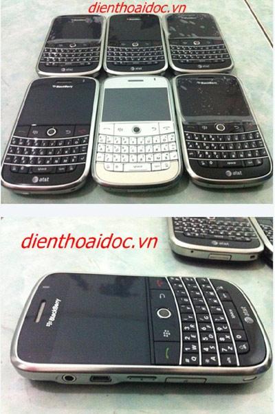 """Người dân """"đổ xô"""" đi mua Blackberry & Iphone! - 2"""