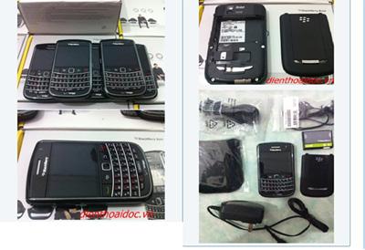 """Người dân """"đổ xô"""" đi mua Blackberry & Iphone! - 3"""