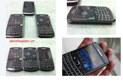 """Người dân """"đổ xô"""" đi mua Blackberry & Iphone! - 4"""
