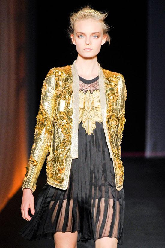 Ánh kim vàng làm chủ xu hướng năm 2012 - 5