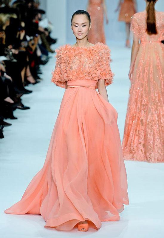 Váy Hồ Ngọc Hà đụng kiểu dáng Elie Saab - 6