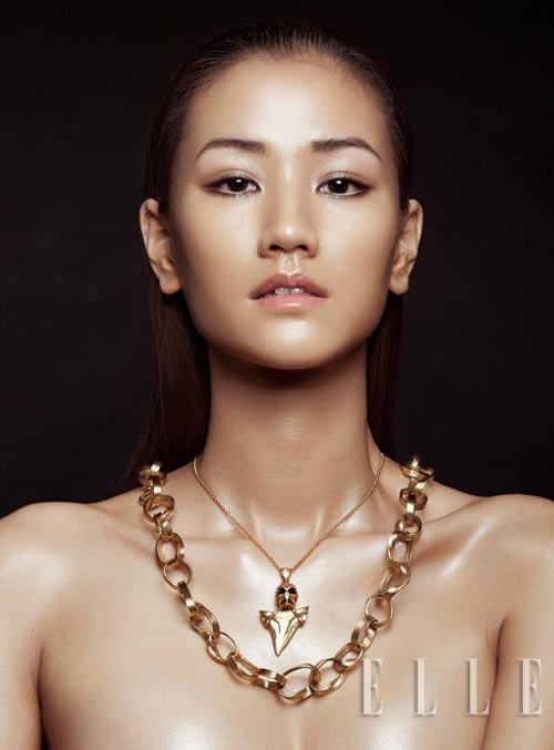 Maya bán khỏa thân khoe trang sức - 3