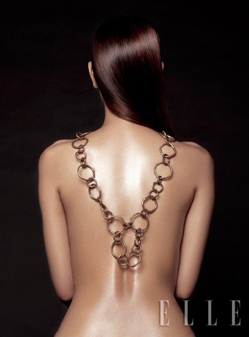 Maya bán khỏa thân khoe trang sức - 6