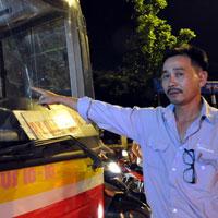 Côn đồ chặn xe buýt, hành hung tài xế