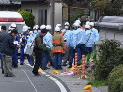 """Nhật: Xe """"điên"""" tông chết học sinh và bà bầu - 1"""