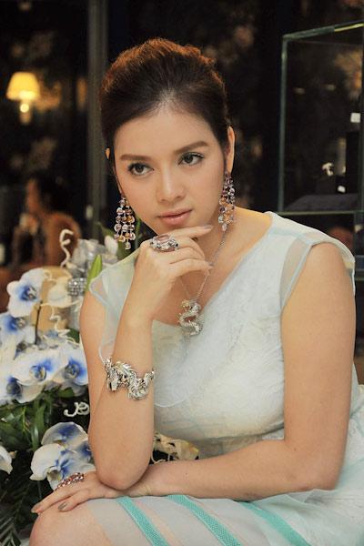 Sao Việt ứng xử với nghi án váy nhái - 11