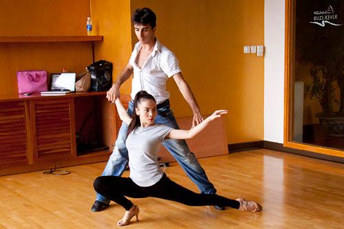 """Yến Trang """"sáng"""" nhất Bước nhảy hoàn vũ - 2"""