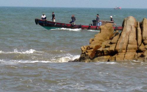 Đỏ mắt giăng lưới tìm xác con trên biển - 3