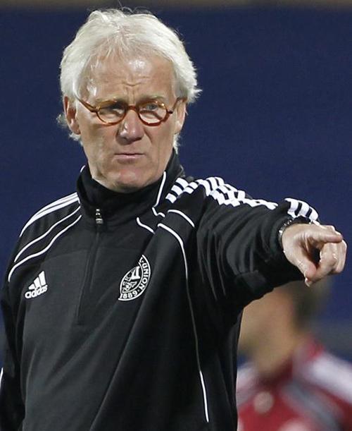 Euro 2012: Cấm Twitter! - 1