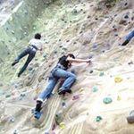 Bạn trẻ - Cuộc sống - Giới trẻ hào hứng leo núi nhân tạo