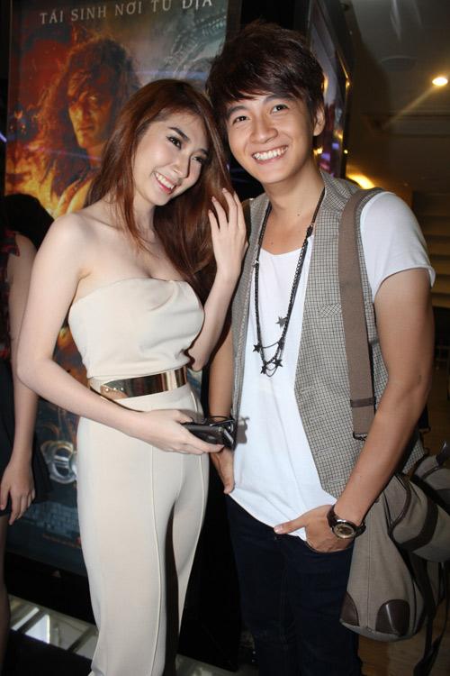 Ngô Kiến Huy hạnh phúc bên bạn gái - 2