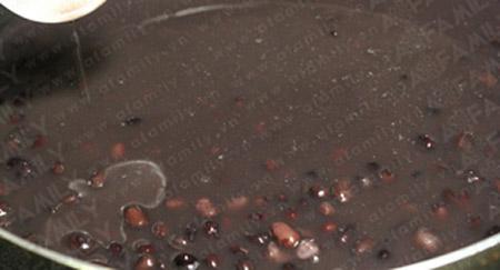 Mách bạn cách nấu chè đỗ đen ngon tuyệt - 6