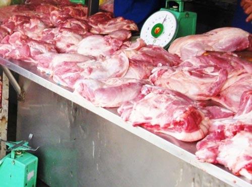 Hà Nội phát hiện thịt lợn nhiễm chất cấm, Thị trường - Tiêu dùng, Thit lon nhiem chat cam, chat doc hai, gia thit lon, ve sinh an toan thuc pham, canh giac, bao