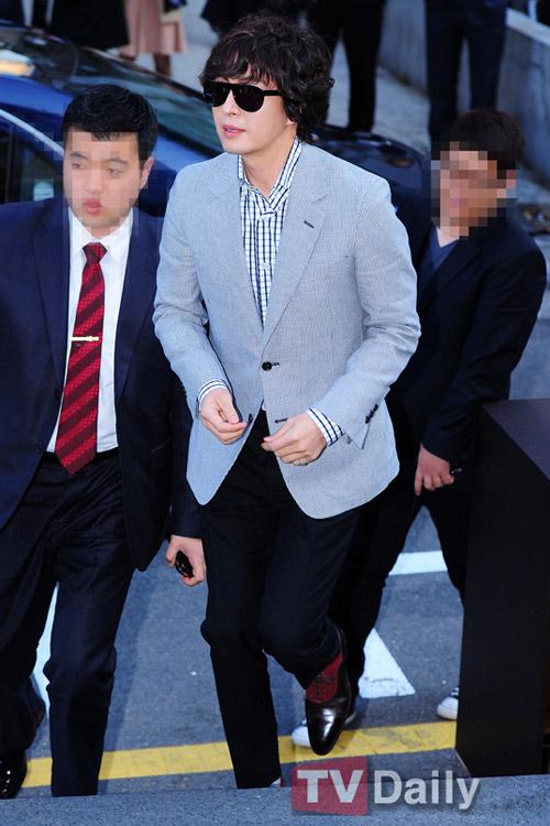 Bae Yong Joon xuất hiện cùng Kim Hye Soo - 4