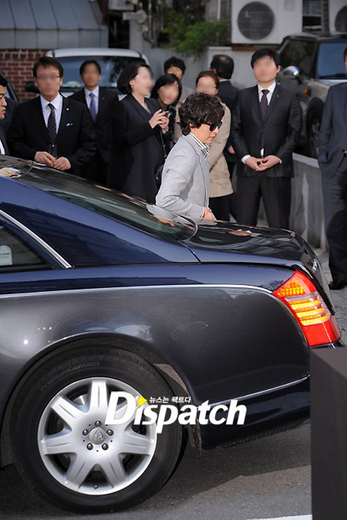 Bae Yong Joon xuất hiện cùng Kim Hye Soo - 2