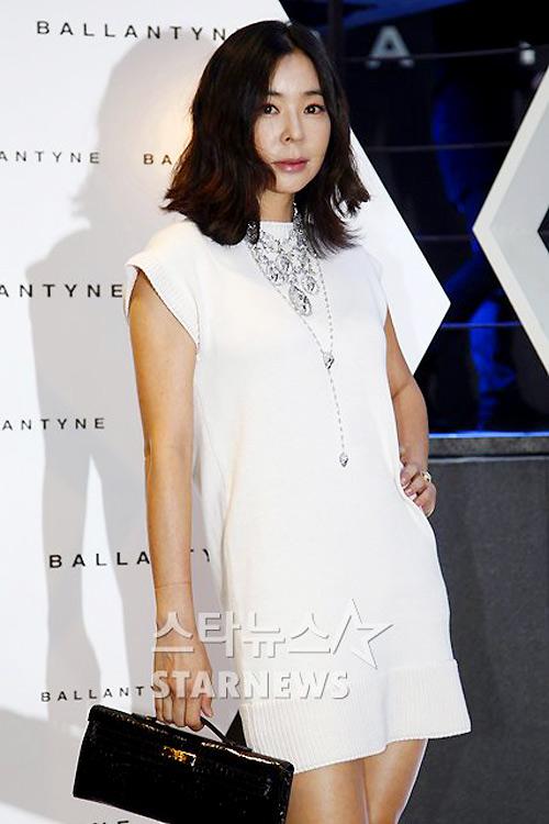 Bae Yong Joon xuất hiện cùng Kim Hye Soo - 17