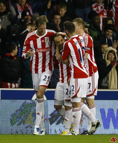 Stoke- Arsenal: Cạm bẫy Britannia - 2